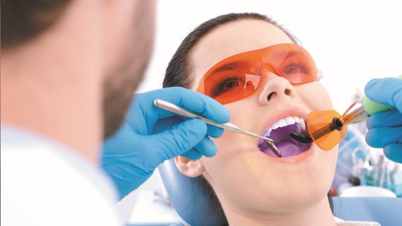 fogmegtartó kezelések Esztétikus tömések Amalgám töméscsere Mozgó fogak rögzítése Inlay, onlay, csapos fog készítés Gyökékezelés Lézeres kezelések Harapásemelő készülék készítése (éjszakai fogcsikorgatás miatt) Terhesség előtti-alatti kezelések (legalább 2-3 alkalommal!!!)